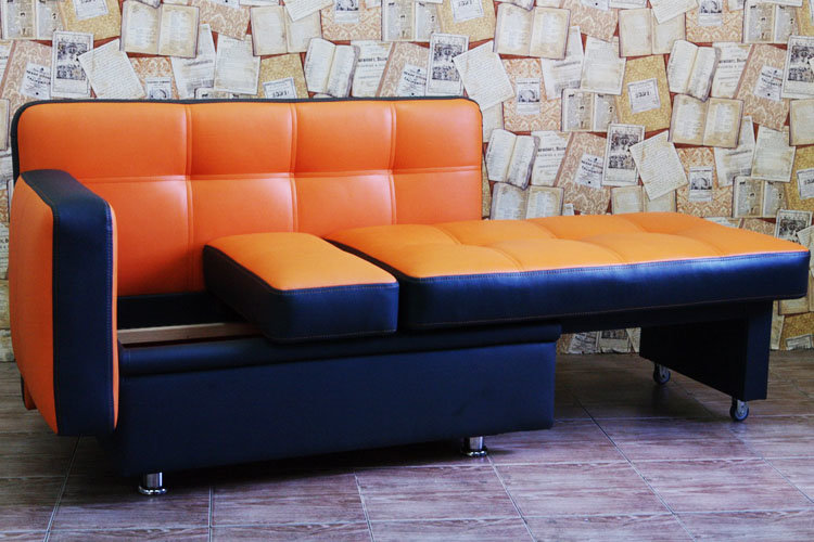 Оранжевый диван на кухню